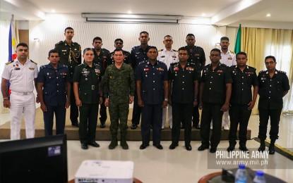 Army hosts visiting Sri Lanka Defense Services Command